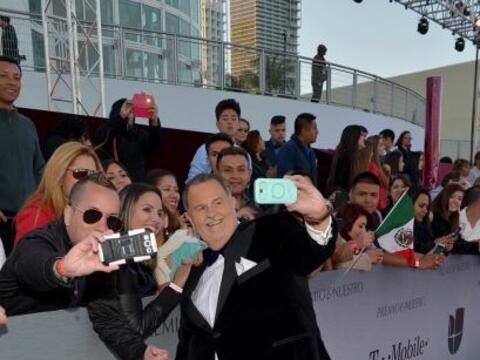 Raúl 'El Gordo' de Molina aprovechó para repartir selfies...