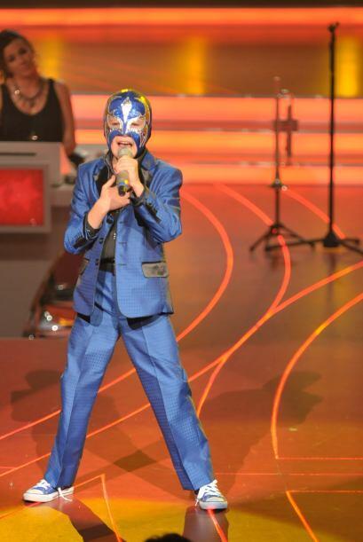 Toñito también dijo que no se quitaría la mascara hasta que el lo decida.