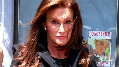 Caitlyn Jenner considera salir con hombres