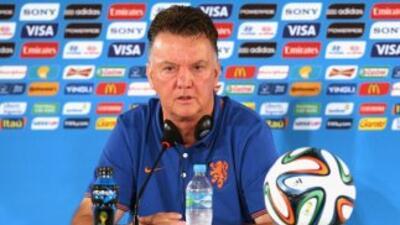 El entrenador holandés espera al menos despedirse del torneo mundialista...