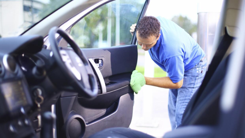 Te mostramos cómo preparar tu coche antes de salir de viaje.