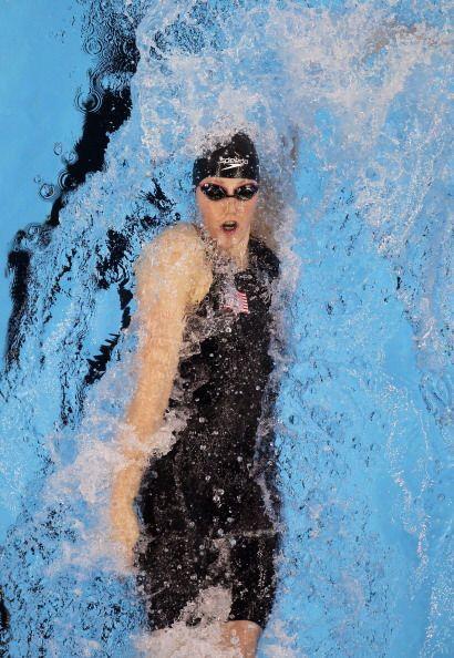 Se llevó la medalla de oro en los 200 m. de espalda y solamenete tiene 1...