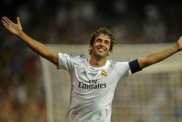 El delantero Raúl González ganó todo lo que pudo con el Real Madrid, el...