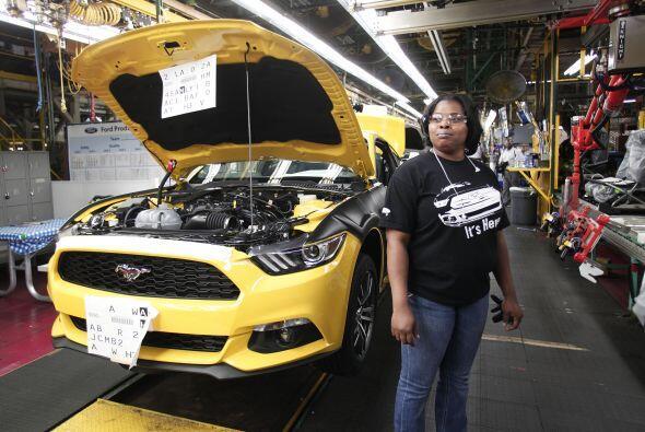 Ford inició la producción de la nueva generación del Mustang en la plant...