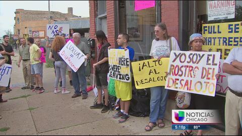 Familias temen desalojo en un edificio de Logan Square