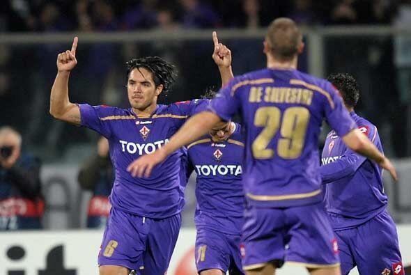La Fiorentina le ganó 1-0 al Olimpique de Lyon, resultado que eliminó al...