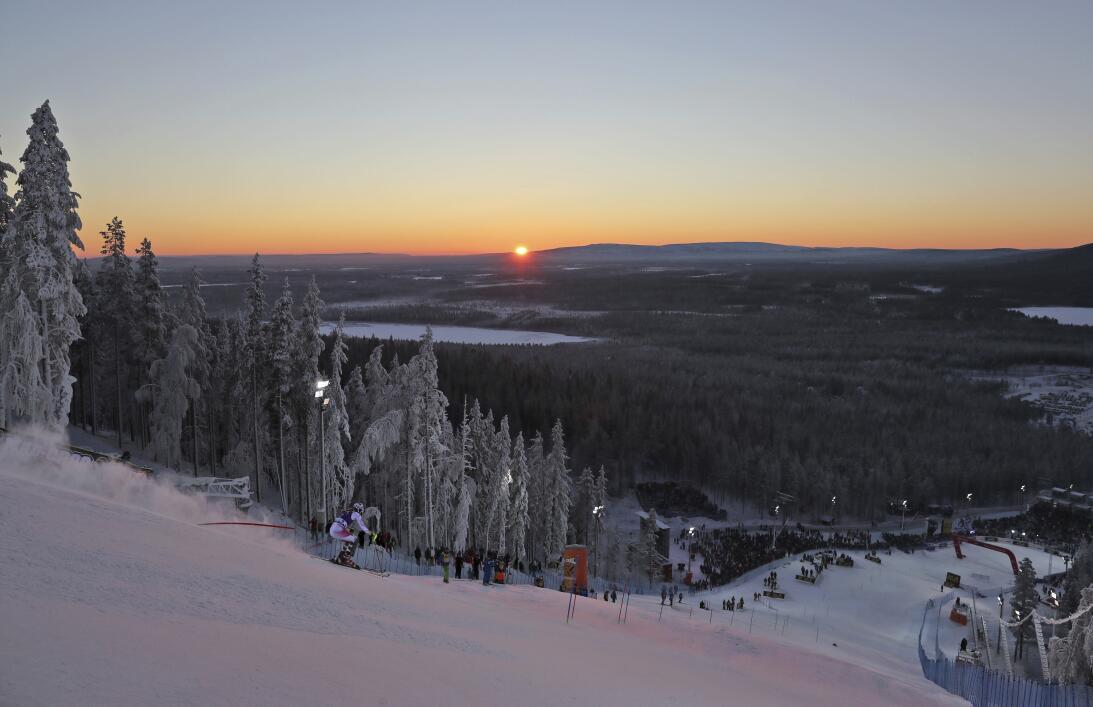 Paisajes y curiosidades en el Mundial de esquí alpino AP_16317490390116.jpg