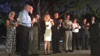 Cientos se congregaron en el Mountain Crest Park de Las Vegas para honra...