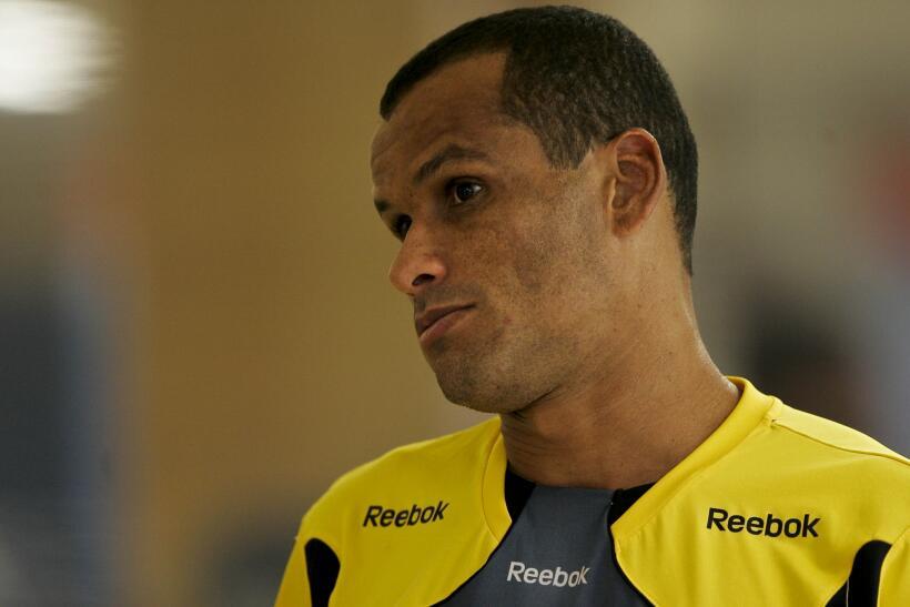 'Loco' Abreu vestirá en Uruguay su camisa 25 GettyImages-109982420.jpg