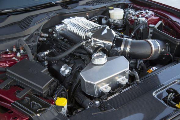 La preparadora optó por usar el mismo impulsor del Mustang GT, un V8 de...
