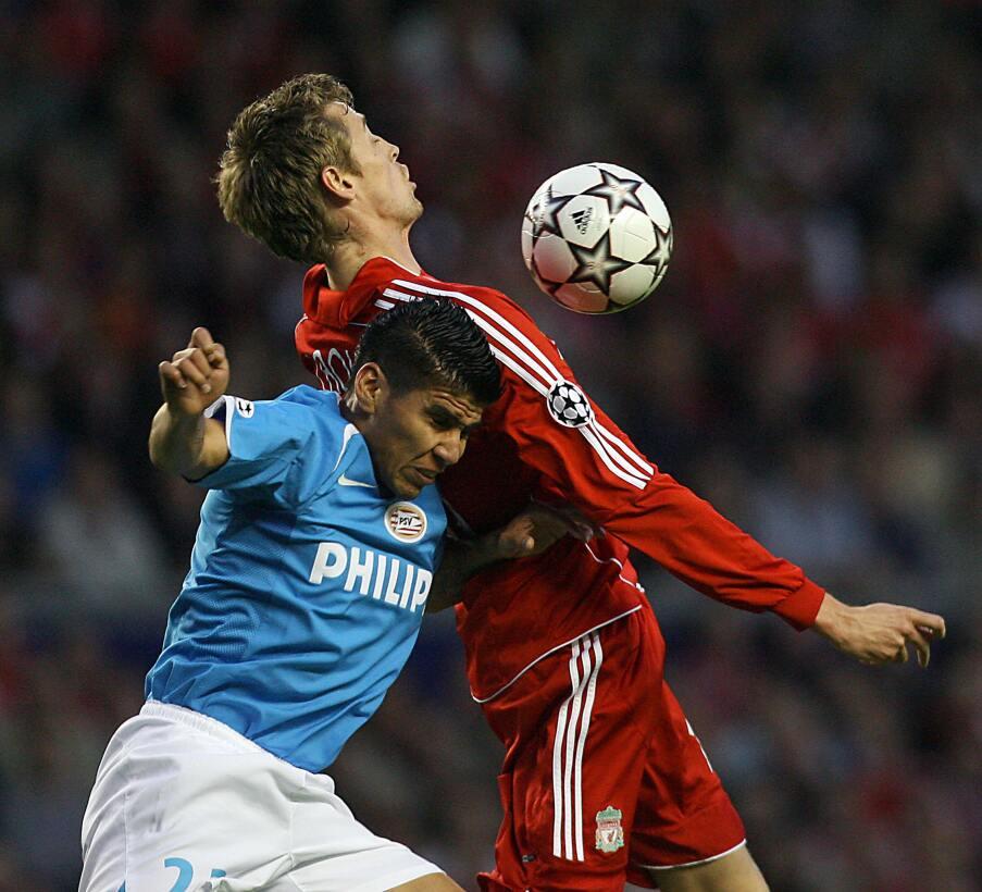En fotos: Mexicanos campeones con el PSV Eindhoven gettyimages-73860787.jpg