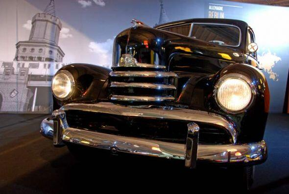 Taxi Opel Kapitän 1953 Se presentó por primera vez en 1939 y de inmediat...