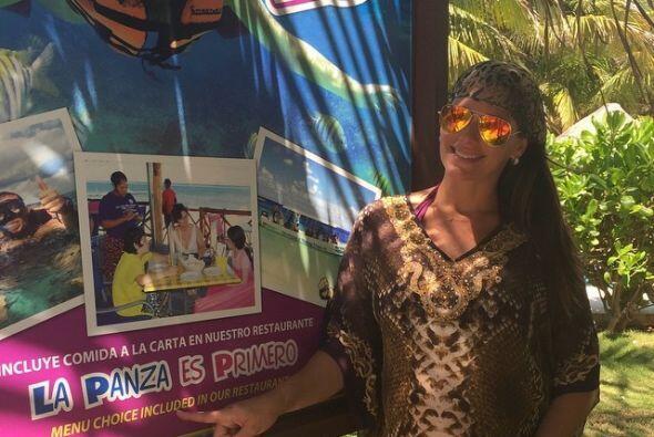 La periodista viajó con su familia a la Riviera Maya.