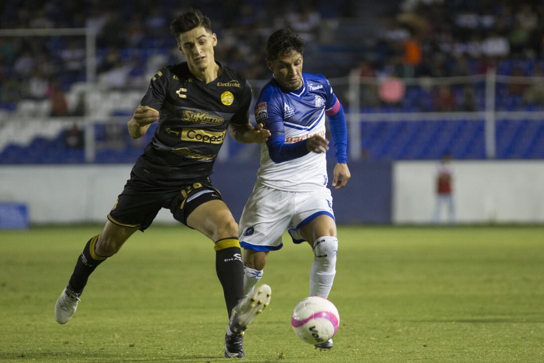 Fernando Arce y Fernando Arce Jr.: el joven de 21 años juega de mediocam...
