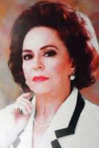 Bárbara Gil ocupó su lugar y un año después la primera actriz Silvia Der...