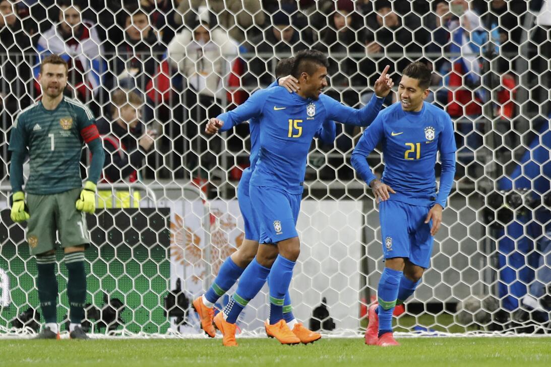 En fotos: Brasil supo cuándo acelerar y goleó a Rusia en el Luzhniki ap-...