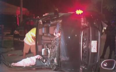Tres pasajeros huyeron luego de un aparatoso accidente automovilístico e...