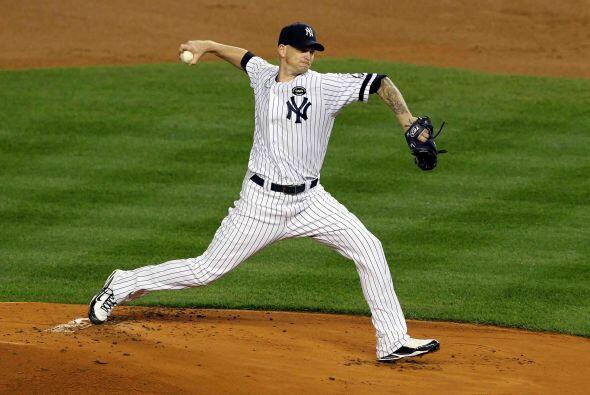 A.J. Burnett no pudo cumplir los deseos de la fanaticada de los Yankees...