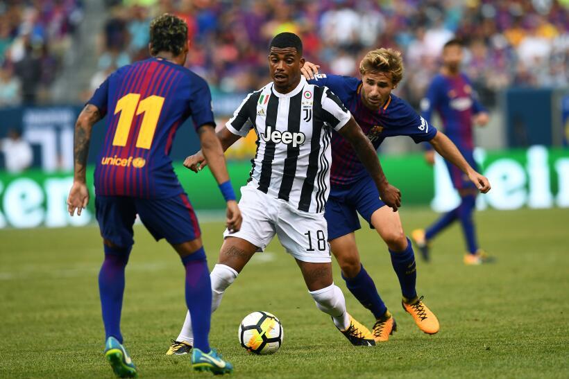 Mario Lemina parece tener poco espacio en la Juventus y por eso buscaría...