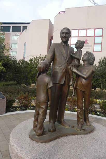 Danny Thomas, fundador de St. Jude. Gracias.  St. Jude Children's Resear...
