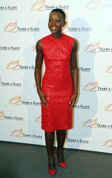 Los vestidos cortos también le sientan exquisitos al tonificado cuerpo d...