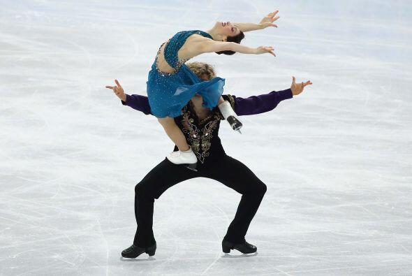 Los estadounidenses Meryl Davis y Charlie White, dominaron la prueba de...