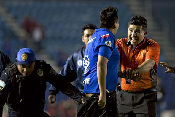 Los jugadores de Cruz Azul terminaron siendo perseguidos por sus propios...