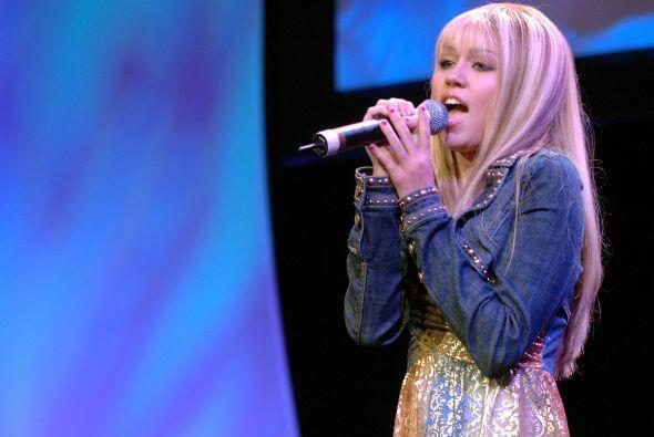 """Miley, como recordarás, comenzó con el programa """"Hannah Montana"""". Mira a..."""