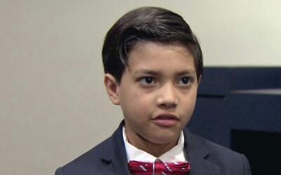 Refugiado hondureño de 8 años de edad busca ablandarle el corazón a Dona...