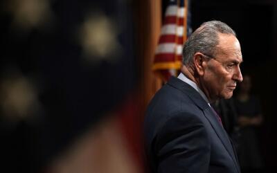 El líder del bloque demócrata en el Senado, Chuck Schumer,...
