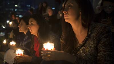 #LuzParaMexico: encienden velas en apoyo al caso Ayotzinapa