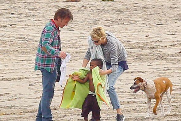 Otro grato día en la playa. Mira aquí los videos más chismosos.