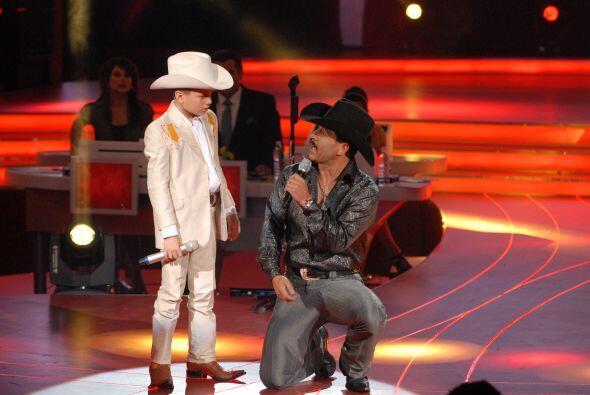 Toñito también le pidió consejos para interpretar mejor su canción a Joa...