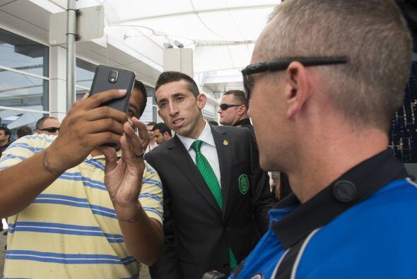 Héctor Herrera se vio con mejor ánimo tras no jugar ante Israel por pres...