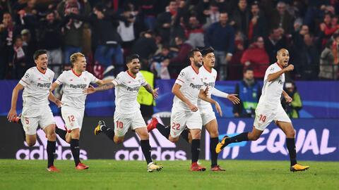 Sevilla empató en el último minuto ante el Liverpool.