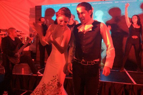 Sin duda el flamenco les salió muy bien y puso a todos los invitados en...