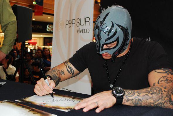 El luchador participará en el reality WWE Tough Enough, un show conocido...
