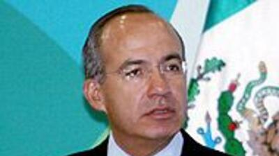 Presidente Calderón pide a mexicanos evitar viajes innecesarios a Arizon...