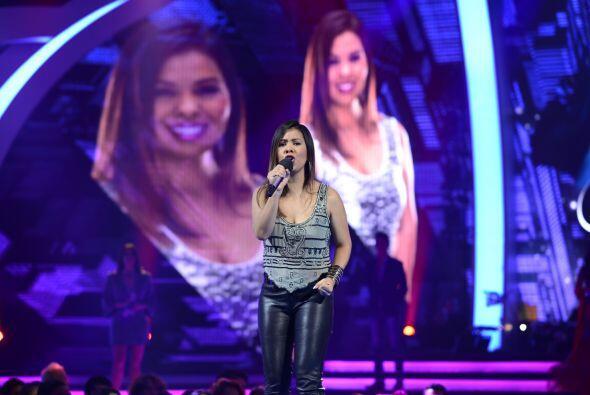 """En el segundo grupo, Natalie Herrera cantó """"No me queda más"""", de Selena."""