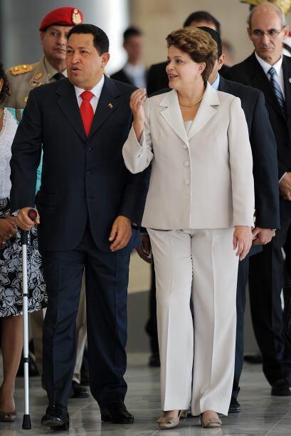 6 de junio 2011 Hugo Chávez llegó a Brasil para su primer encuentro de t...