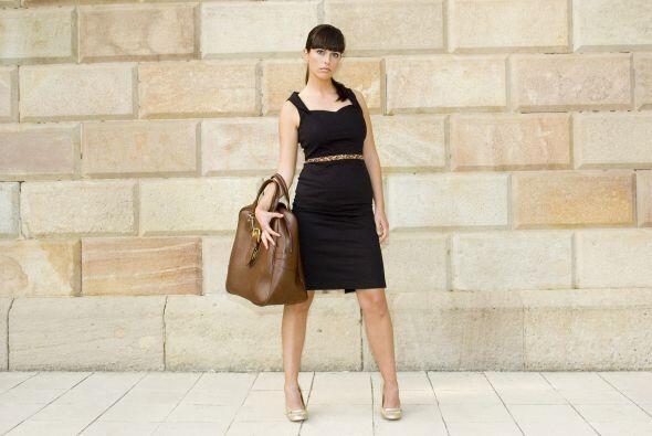 """Corto, elegante y de líneas simples, el 'little black dress' (""""LBD"""") pop..."""