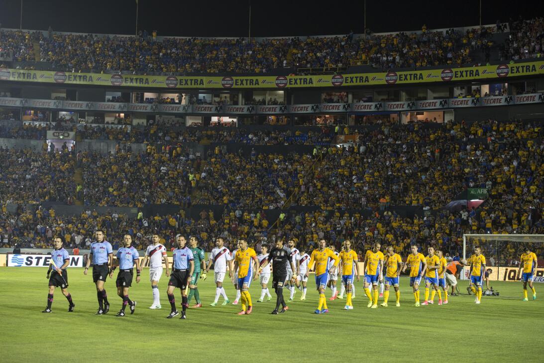 Tigres golea a Chivas y los baja de la nube. 20170411_2873.jpg