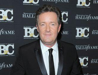 """Piers Morgan : """"Sin pedir disculpas,  ofensiva, dura, complicada,   inco..."""