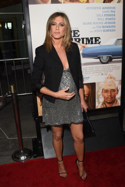 Jen lució un abultado vientre durante la premiere de 'Life of Crime', ha...