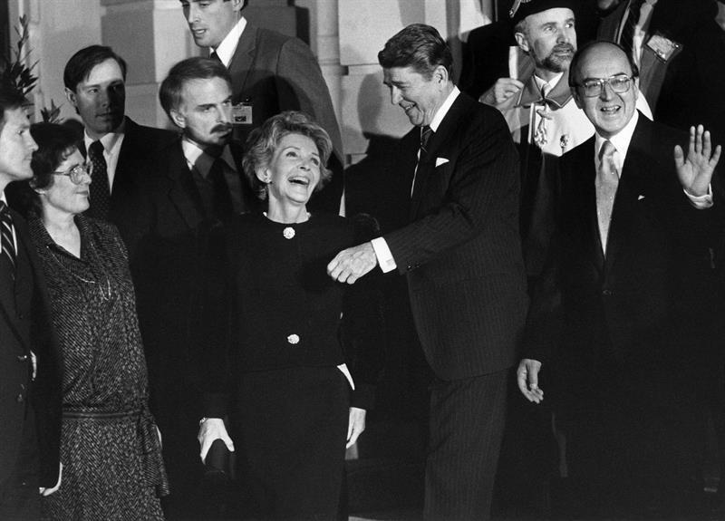 Nancy y Ronald Reagan durante en una visita a Ginebra en 1986.
