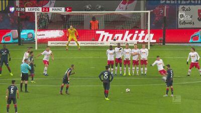 Un susurro para el poste: Oztunali estuvo cerca de marcar un gol de antología