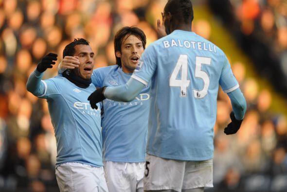 Pero el italiano Mario Balotelli, que reapareció tras haber sufrido una...
