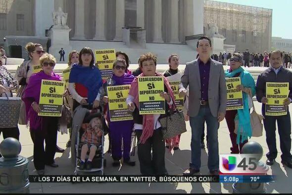 Algunos activistas alegan que la reforma migratoria que se trabaja en el...