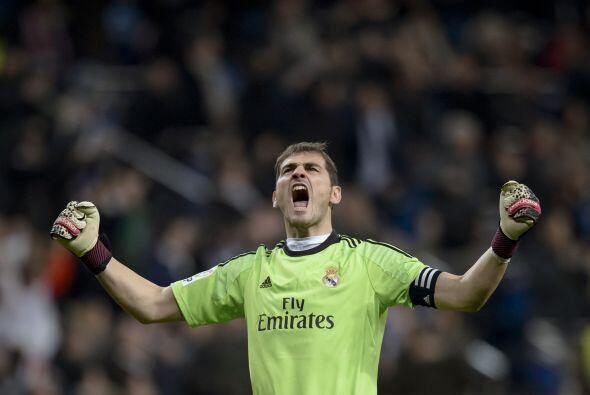 Por otra parte, Iker Casillas es un portero que ha ganado un Mundial, Eu...