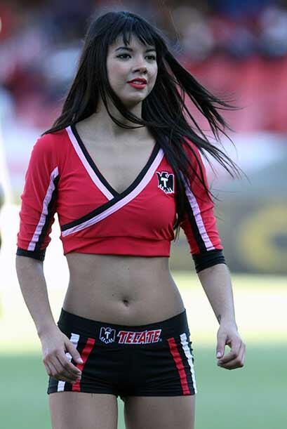 Las porristas del Chivas vs. Veracruz, relajaron a las tribunas que veía...